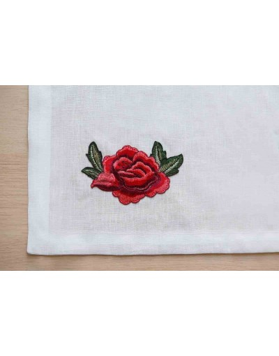 Linen runner with peony